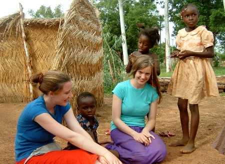 Lyndsey, Jayne and children in Burkina Faso