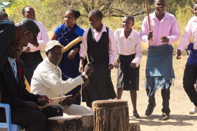 Mbugwe choirs and drumming